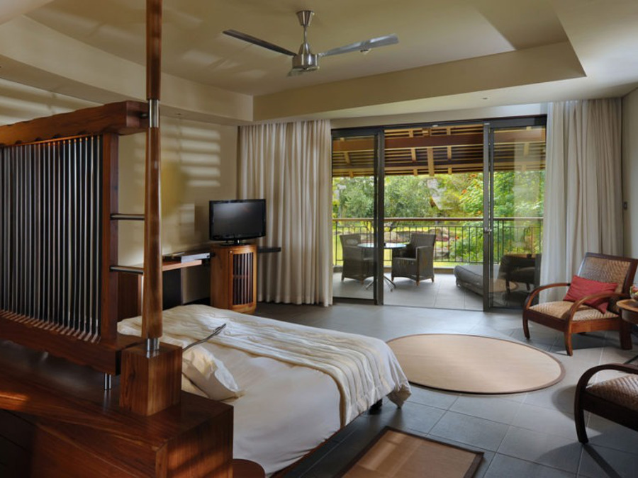 Beautiful-Island-Themed-Rooms-at-Trou-aux-Biches-Resort-and-Spa-1024x576