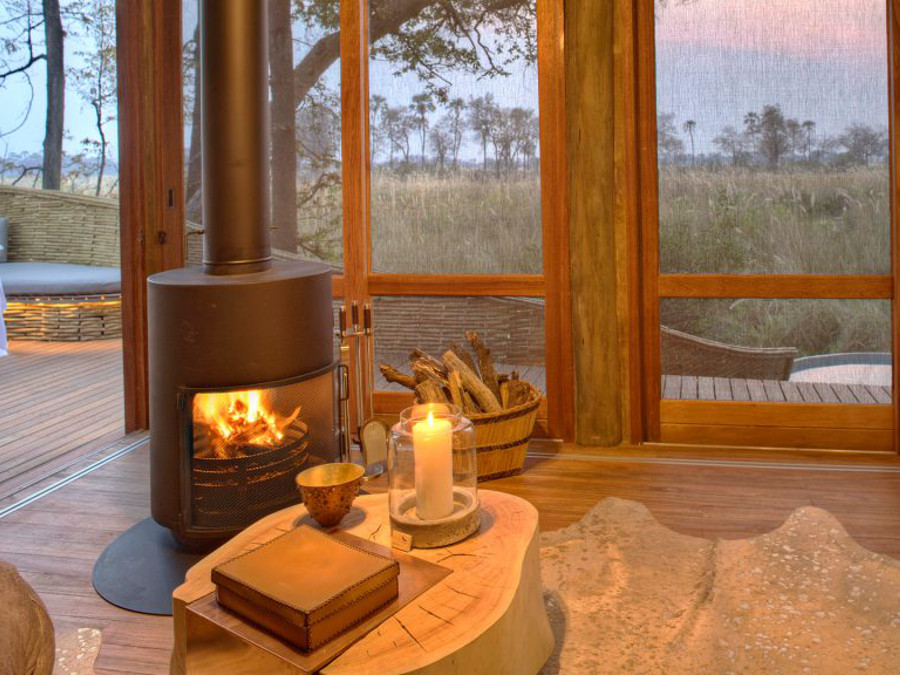 elegant-suite-dining-at-sandibe-on-a-luxury-botswana-safari-overlooking-the-okavango-delta-1024x576