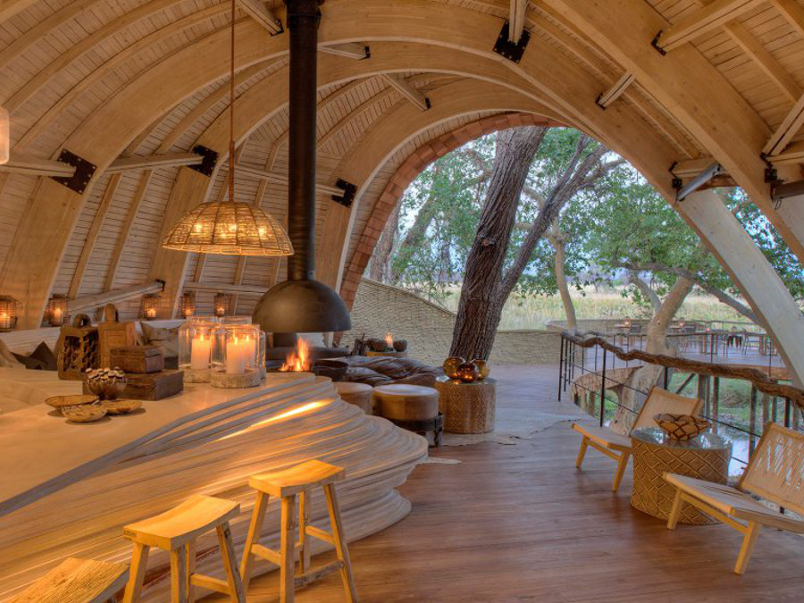 guest-area-at--sandibe-on-a-luxury-botswana-safari-with-spectacular-delta-views-1024x576