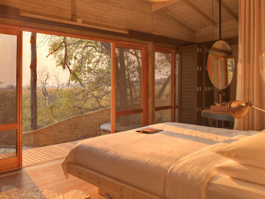 intimate-suites-at-sandibe-elevated-above-the-landscape-feauturing-the-okavango-delta-1024x576