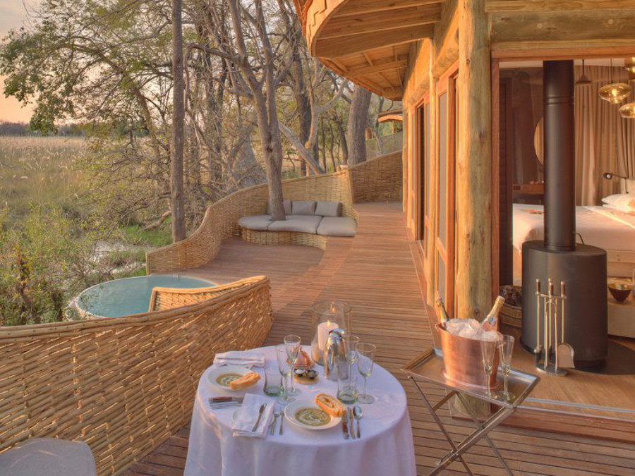 private-wilderness-and-dining-sandibe-on-a-luxury-botswana-safari-overlooking-the-okavango-delta-1024x576